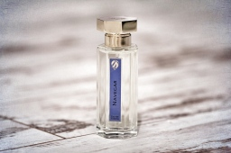 Navegar L'Artisan Parfumeur
